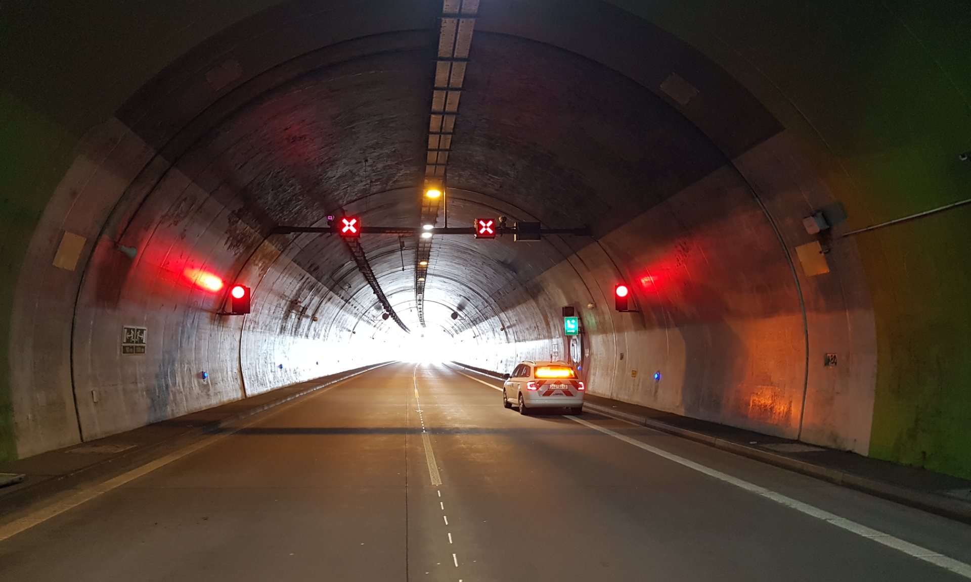 Dutch Company Siqura installs state-of-the-art camera technology in Czech motorway tunnels
